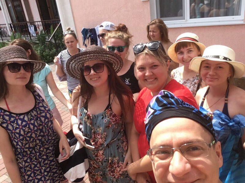 Летний отдых на побережье Чёрного моря продолжается!